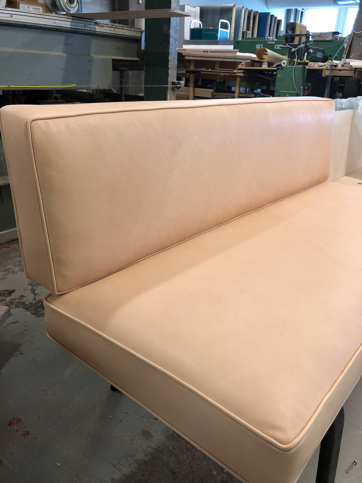Navet_Sofa_making-3